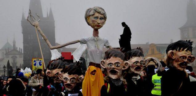 TZ: Začlenění romských dětí do škol – jedno z témat, na které chce 17. listopadu upozornit tradiční satirický průvod Prahou.